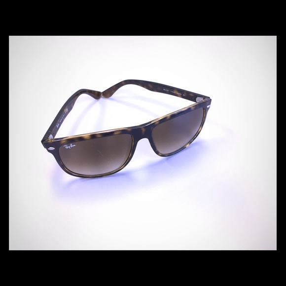3af5ceb824d1b Women s Ray-Ban
